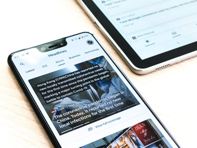英語ニュースでリスニング力アップ!オススメのアプリを3選ご紹介します!